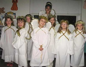 live-nativity-2014-girls2-web